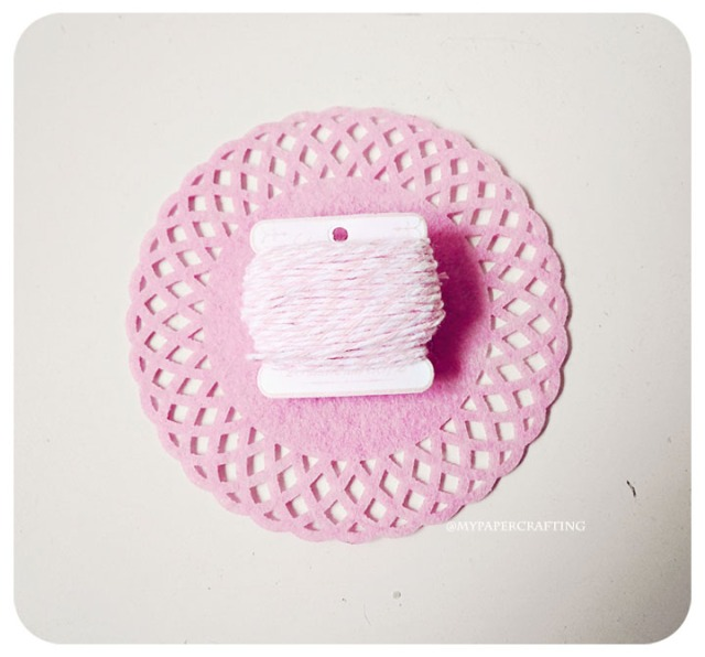 Thread card Twine