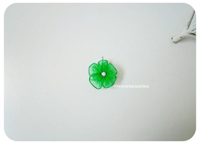 Organza Emerald mini flower