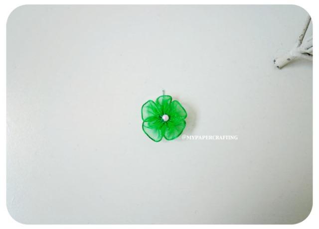 Organza Emerald mini flower