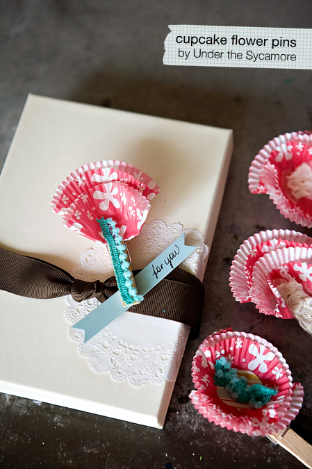 diy {cupcake flower pins}