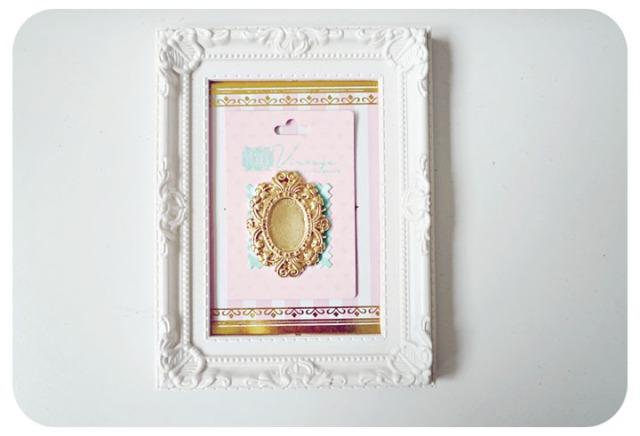 oval flower frame cameo