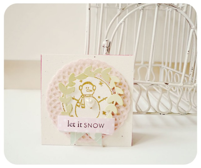 Let it snow Mini doily card